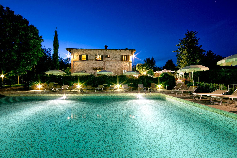 Agriturismo monteriggioni chianti siena b b vacanze toscana san gimignano il colombaio - Agriturismo san gimignano con piscina ...