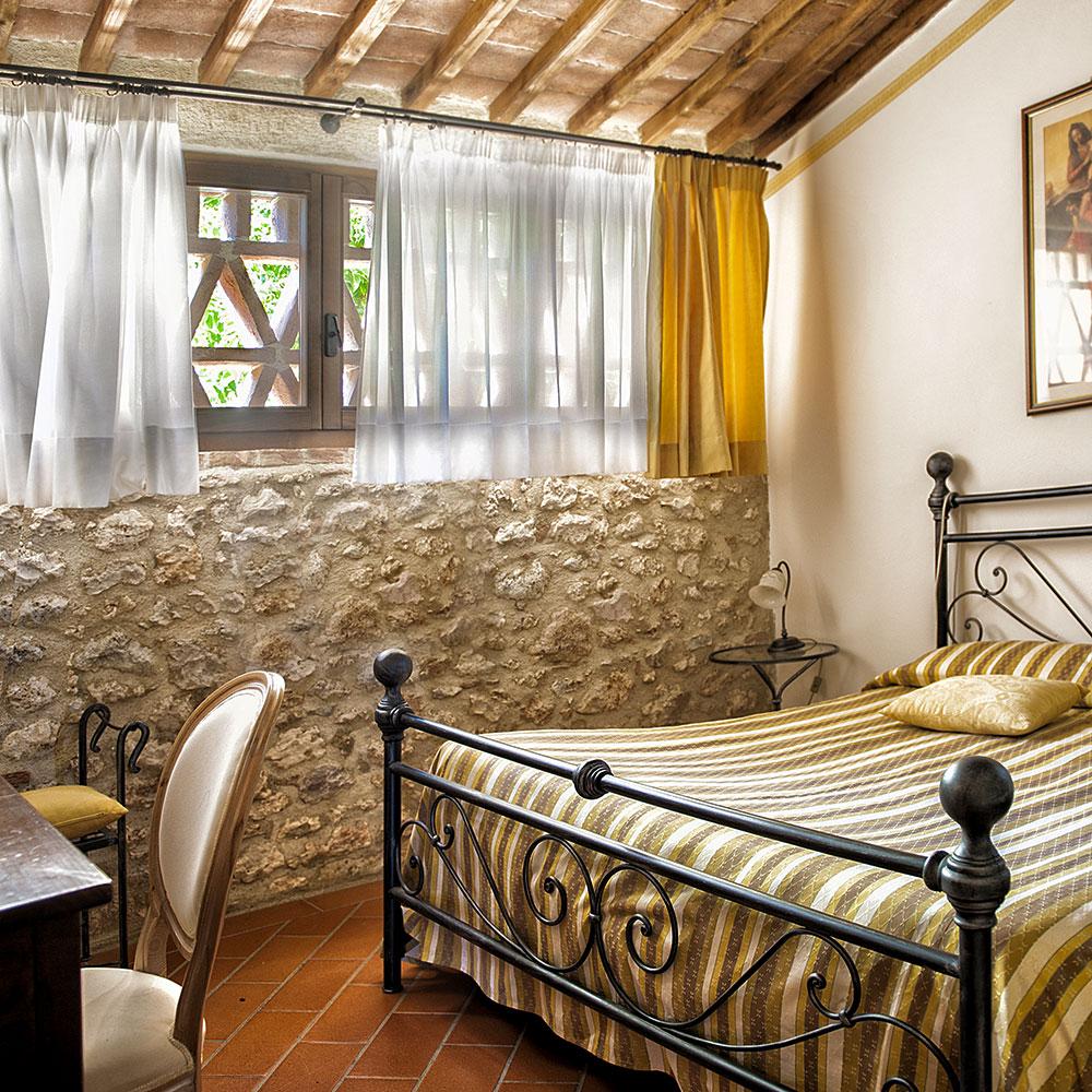 Toscana Apartments: Appartamenti Vacanze Agriturismo Siena Monteriggioni Bed